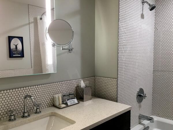Guest bath, Mount Royal Hotel, Banff, Alberta, Canada