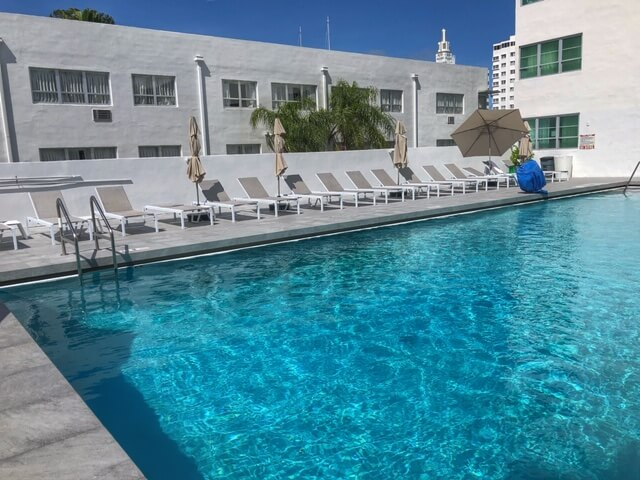 pool at albion hotel miami beach
