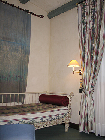 Daybed, Algila Hotel, Ortigya, Syracuse, Sicily, Italy (Photo by Susan McKee