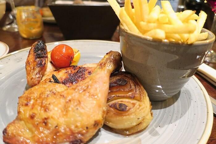 Chicken and Fries, Kollazs Brasserie