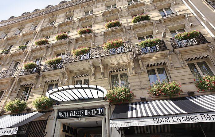 Regencia Façade in Paris