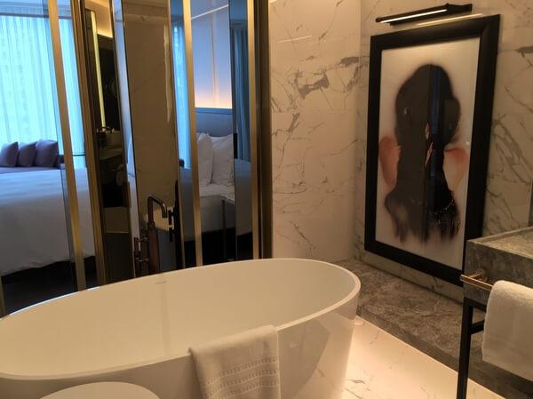 Guest bath, Four Seasons Hotel Montreal, Quebec Canada