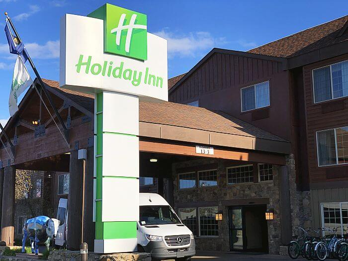 front entrance to Holiday Inn West Yellowstone