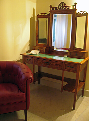 desk, Palazzo Brunaccini Hotel, Palermo, Sicily, Italy (Photo by Susan McKee)