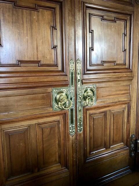 wood doors, historic bed & breakfast, b+b edinburgh scotland