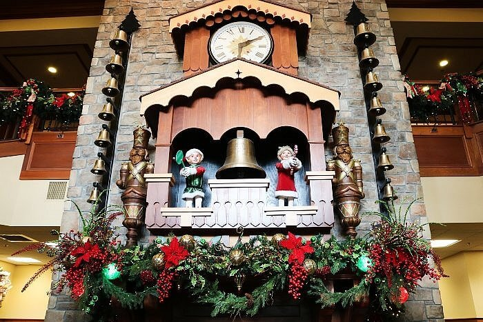 The Inn at Christmas Place, Grandfather Clock