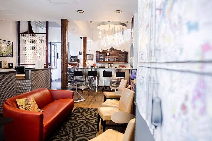 lobby lounge Silverbow Inn