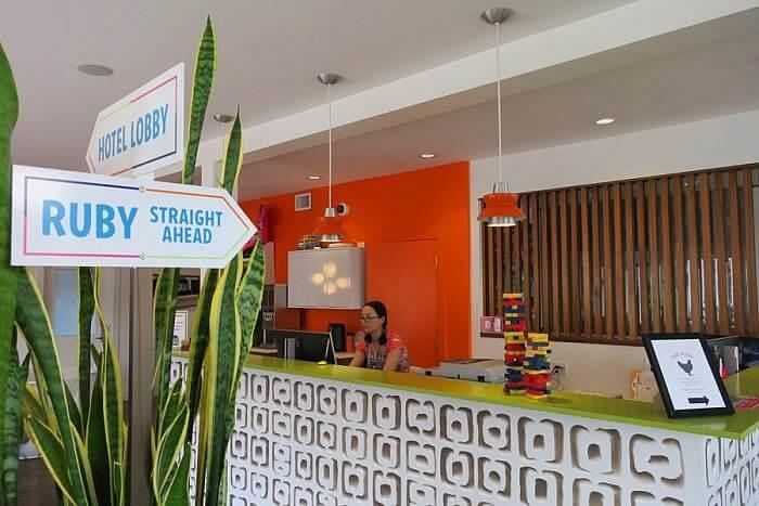 Check In Reception Hotel Zed Victoria