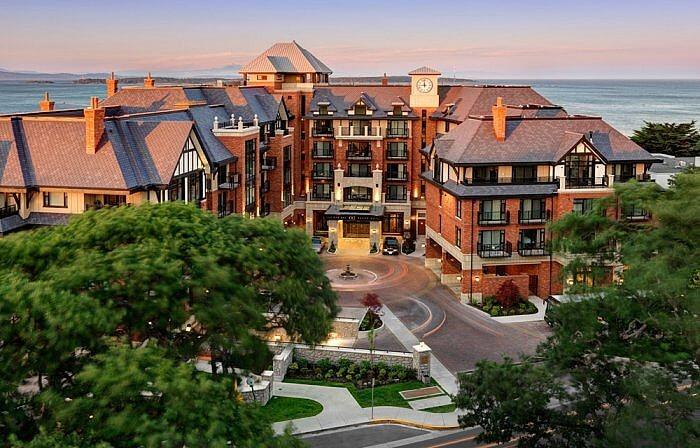 Exterior Aerial View Oak Bay Beach Hotel