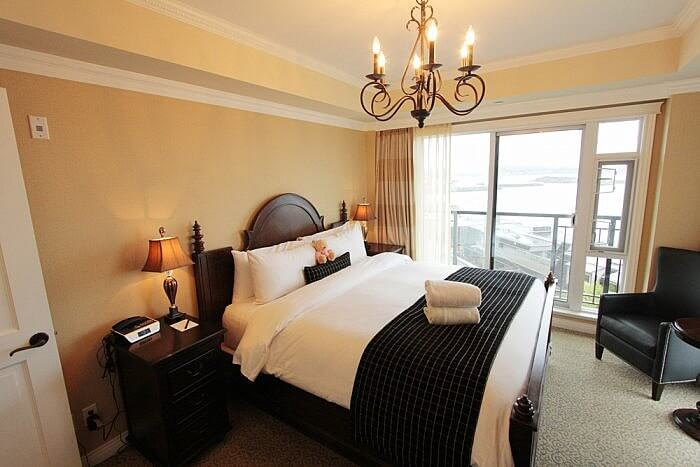 1 Bedroom Suite Room Oak Bay Beach Hotel
