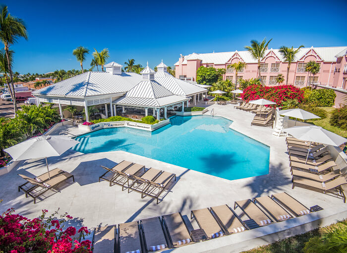 Comfort Suites Paradise Island Bahamas exterior