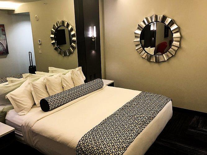 Bedroom at davenport grand in Spokane, Washington