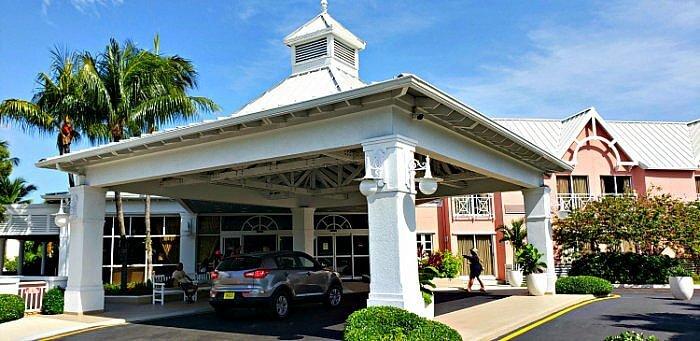 Comfort Inn Paradise Island Bahamas entrance