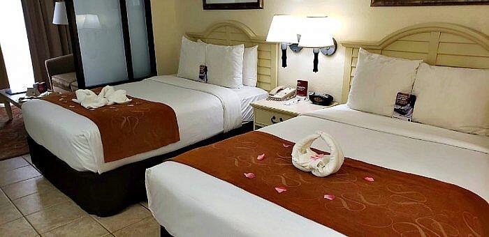 Comfort Suites Paradise Island room 347