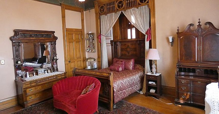 William Clark's bedroom master suite at the Copper King Mansion in Montana