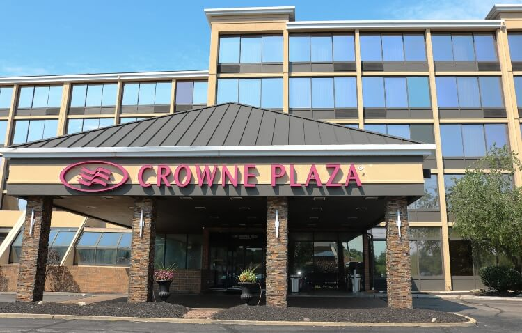 Crowne Plaza, a Cleveland Airport Hotel