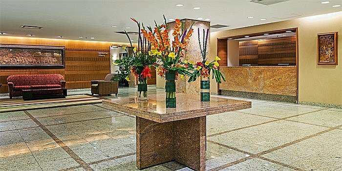 Lobby, Crowne Plaza Toronto Airport Hotel, Ontario, Canada (Photo courtesy of Crowne Point Toronto Airport Hotel)