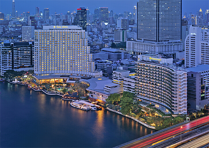Shangri-La Bangkok at night (Photo courtesy of hotel)