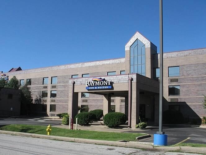 Baymont South, Springfield, Missouri (Photo by Susan McKee)