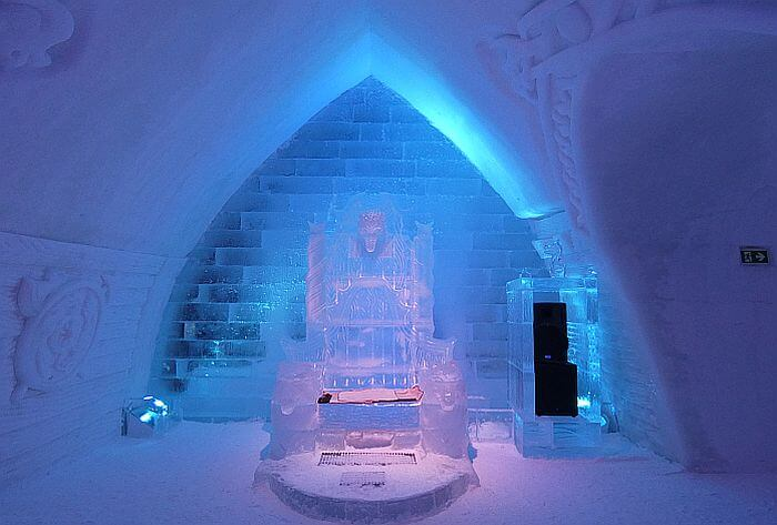 ice hotel Quebec throne in bar