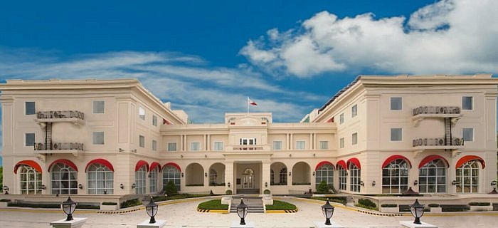 Historical Elegance at the Rizal Park Hotel, Manila