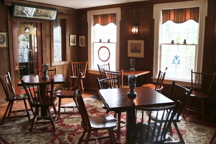Dining room at Rider's Inn