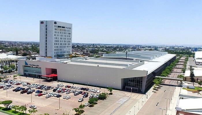 Leon Mexico Hotels near the Poliforum Convention Center