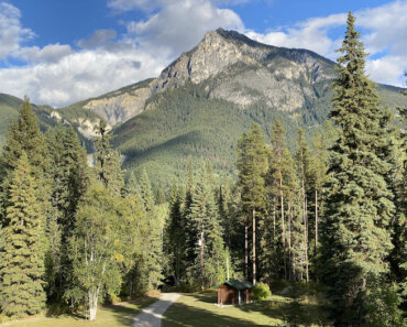 Moberly Lodge, Golden BC: A Canadian Rockies Hideaway
